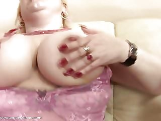 Fisting Pissing Crazy Action with Mature Moms and Girl