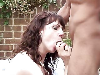 Amateur Wife and Mom Suck and Fuck BBC