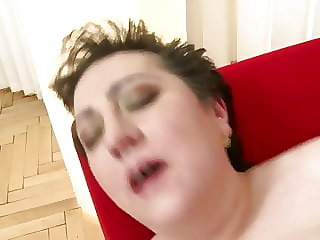 Mature Mother with Saggy Tits Suck and Fuck Young Cock