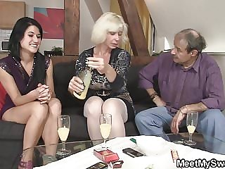 His Old Mom Teaching Teen Licking Pussy and Riding Dick