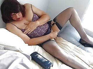 Pumping My Sissy Gurly Cock to Completion