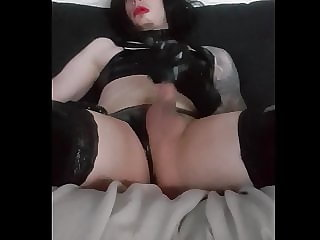Sissypigx - Latex Wank (part 3)