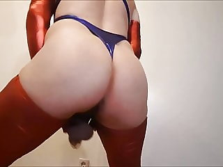 Crossdresser Stuten Arsch Dancing Sissy Slut in Cockcage