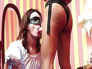 Eager Sissy Strapon