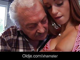 Porn Casting for Amateur Old Man Fucking Young Erica Fontes