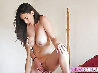 Jelena Jensen and Jenna Sativa Licking Each Others Wet Cunt
