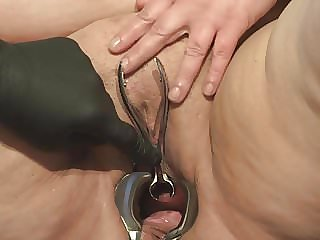 Speculum in Peehole of Slave B Part I