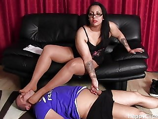 Foot Slave Session for an Arab Misstress