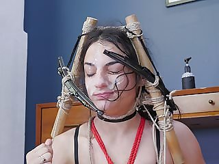 Cleaning Her Face with Windshield Wipers Before Rimjob