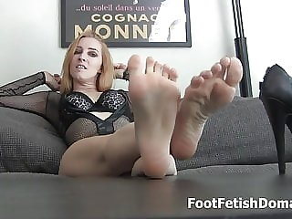Kate England Makes You Suck Her Toes