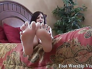 Stroke Your Cock for My Perfect Little Feet