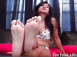 Blow a Hot Load All over My Tiny Size 5 Feet