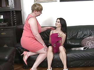 Sweet Teen Girl Fucks Big Mature Mother