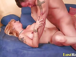 Pretty Sophia Mounds Loves Hardcore Slamming with Creampies