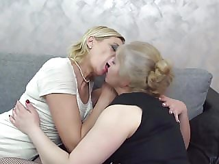 Grannies Knows Best How to Eat Young Pussies